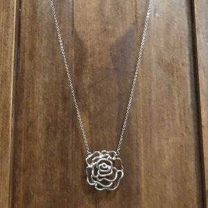 Jewelry - Gorgeous Rose Necklace